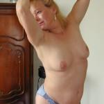 Frau in reizvoller Pose - deutsche Frauen